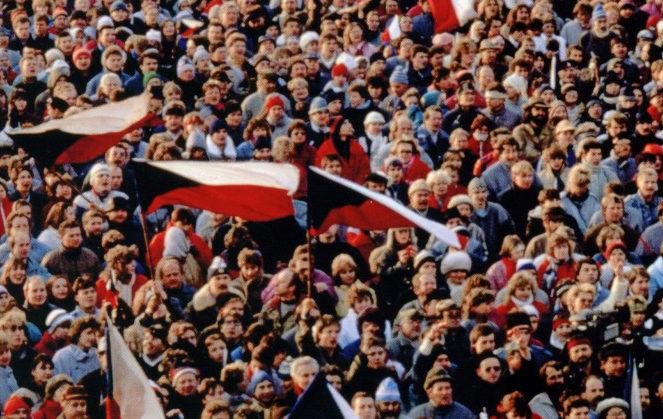 Cette belle lueur à l'Est – La révolution de 1989 en Tchécoslovaquie et son actualité
